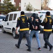 Firari şahıslar polisten kaçamadılar ; 3 gözaltı