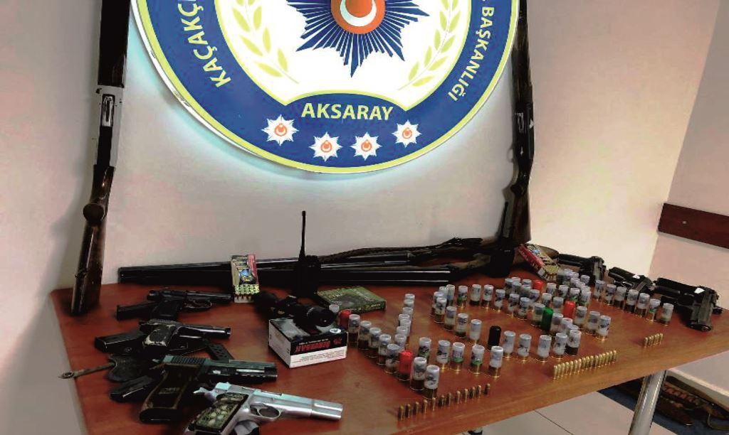 Jandarma ve Polisten silah operasyonu 3 gözaltı