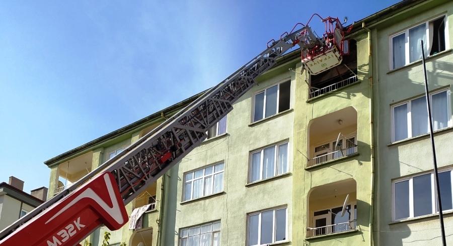 Aksaray'da bir apartmanda çıkan yangın panik yarattı