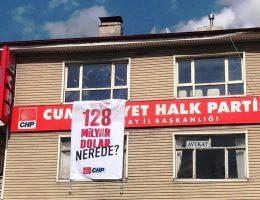 CHP İl başkanlığının astığı pankart İndirildi